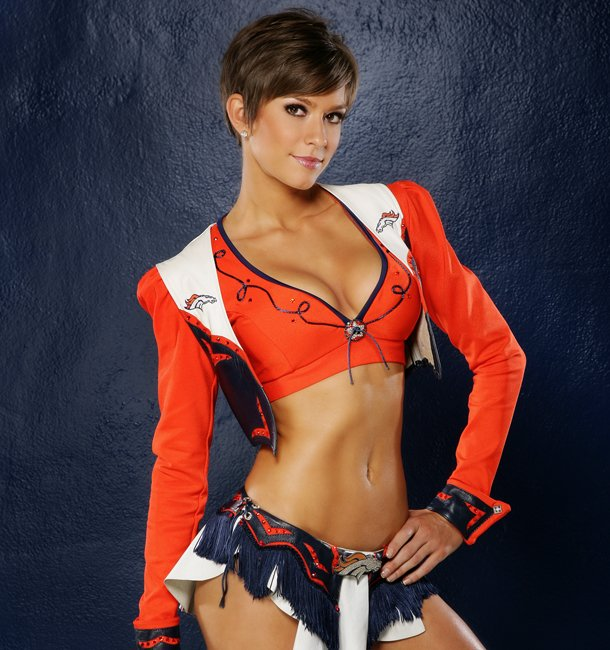 Sam Boik, the 2015 Clash of the Pro Bowl Cheerleaders Champion